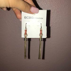 Gorgeous dangling BCBG earrings ✨